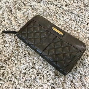 💯 Authentic Burberry Quilted Lambskin Wallet